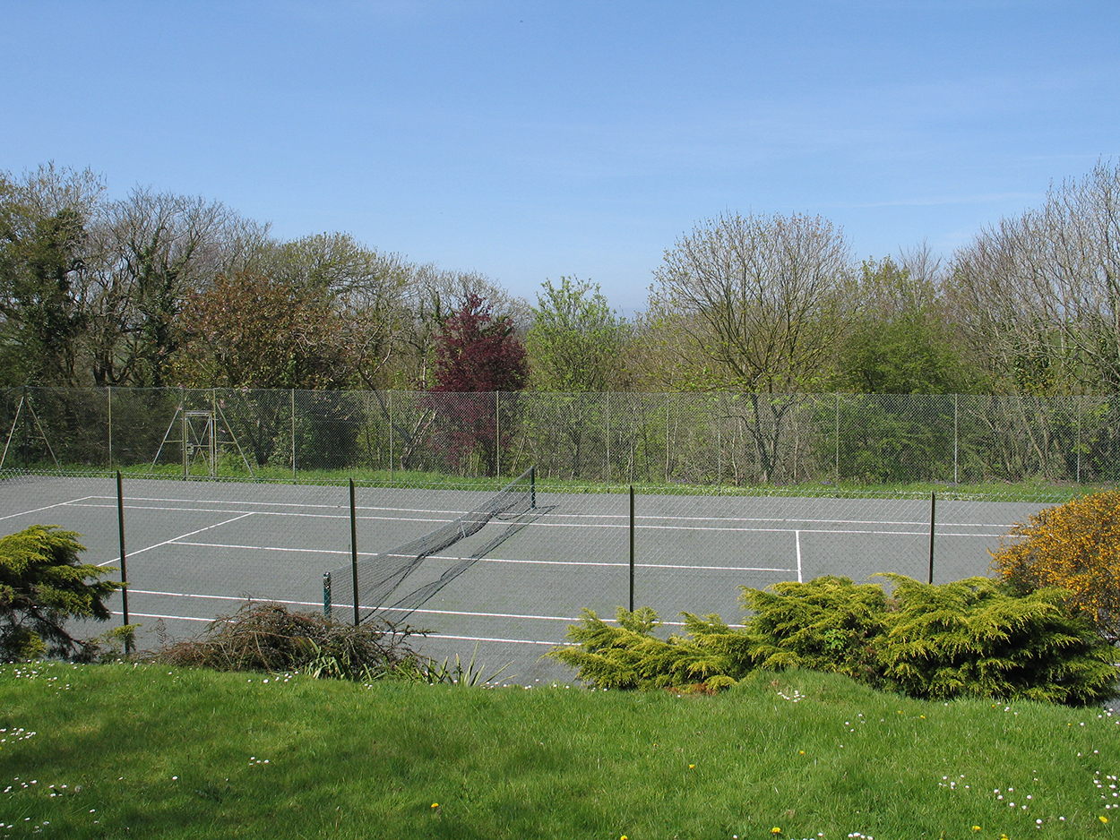 Browns barn tennis courts, holiday home Wadebridge