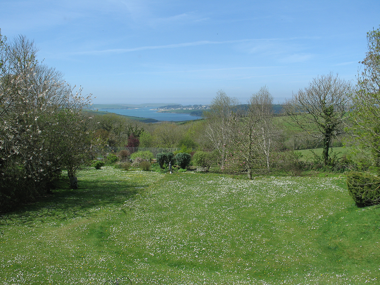 Browns barn holiday home with view to the sea at Wadebridge