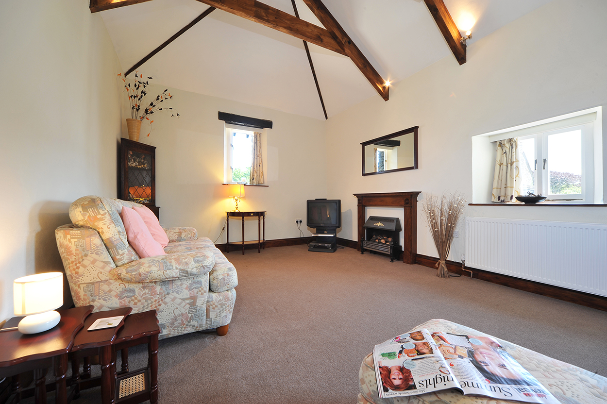 Waggon House holiday home living space