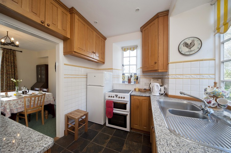 Polwartha holiday home kitchen