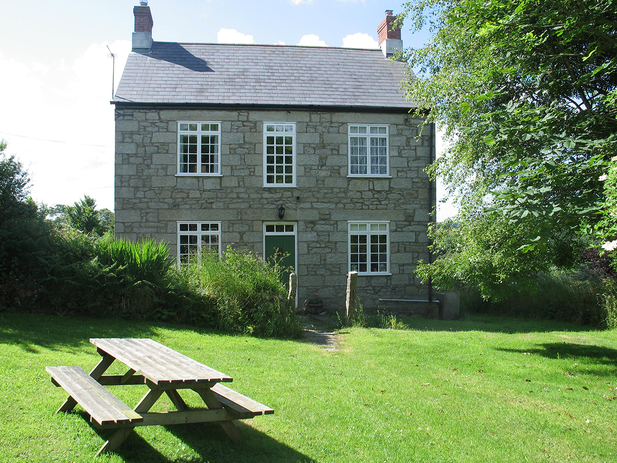 Self Catering Holiday Farmhouse Constantine Cornwall Self
