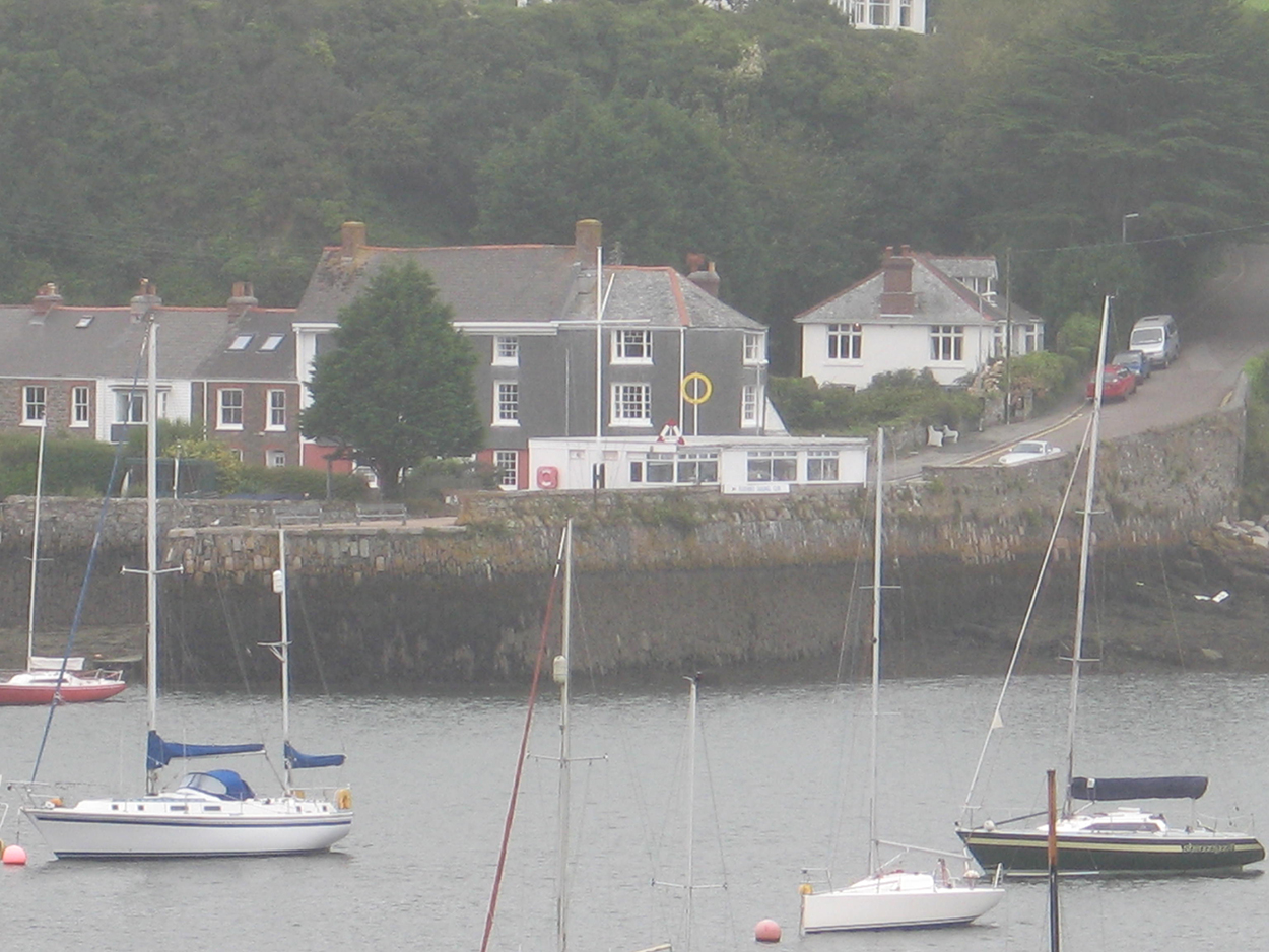 Quay House holidays in Flushing Falmouth Cornwall