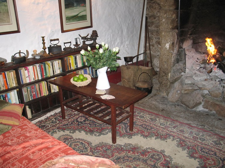 Sitting room of holiday property to rent in Cornwall