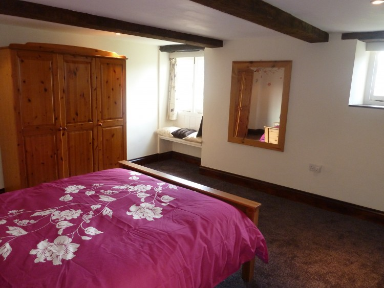 holiday cottage St. Endellion Waggon House main bedroom1