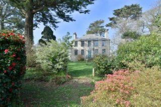 Holiday Homes and Cottages - Holiday Homes in Cornwall